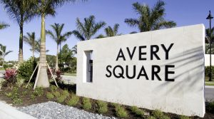 Avery Square in Naples